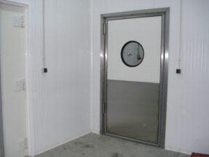 Маятниковые двери от компании Рагис