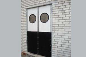 Маятниковые двери для производства
