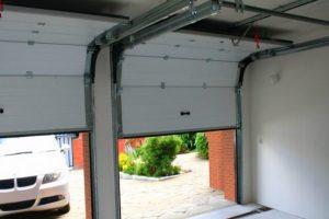 Секционные ворота для гаража